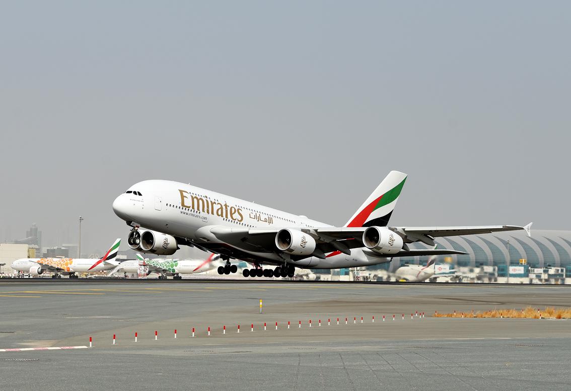 emirates-aereo-bianco-volo-aeroporti