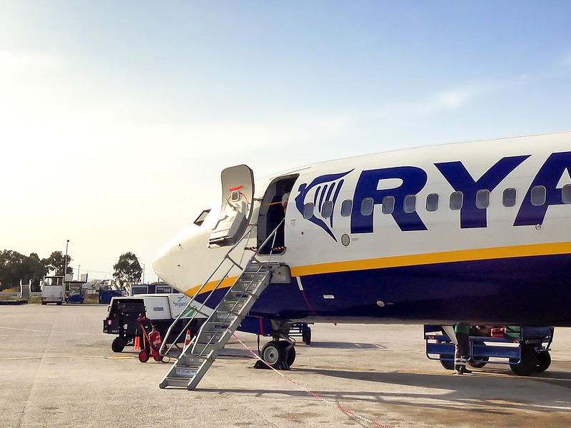 ryanair-aircraft-departure